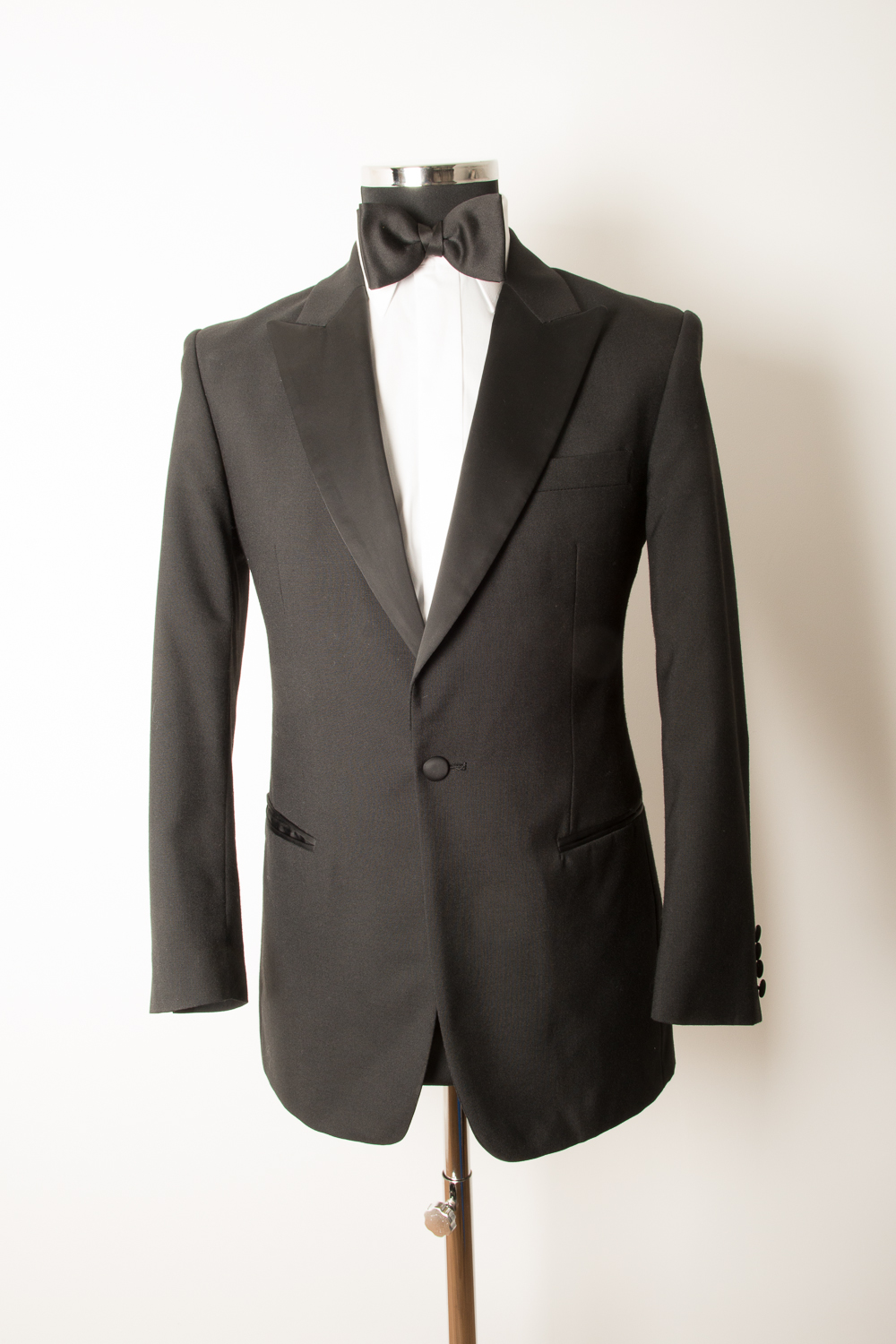 CLASSIC SINGLE BREASTED DINNER SUIT